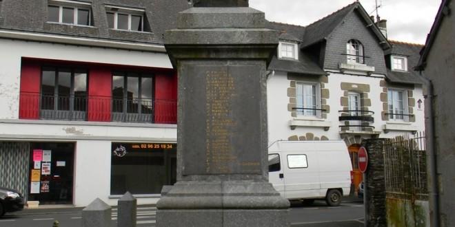 Uzel - Monument aux morts - Joseph Auguste PERRIN